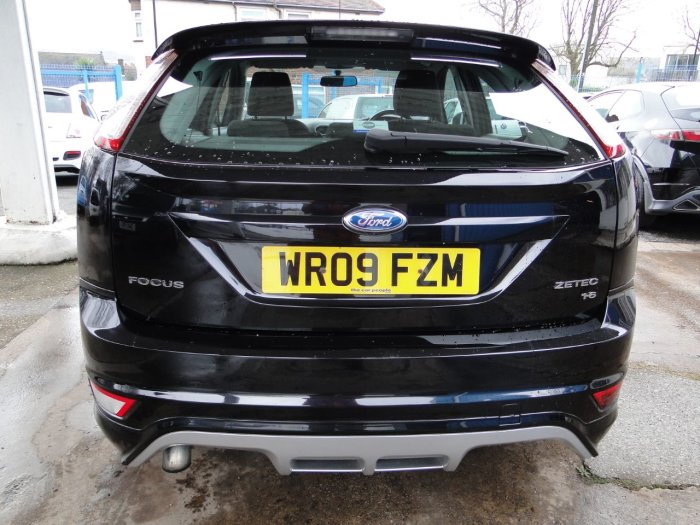Ford Focus 1.6 Zetec S 5dr Hatchback Petrol Black