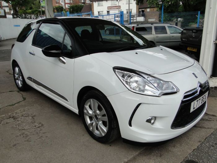 Citroen DS3 1.2 PureTech Dsign Plus 3dr Hatchback Petrol White