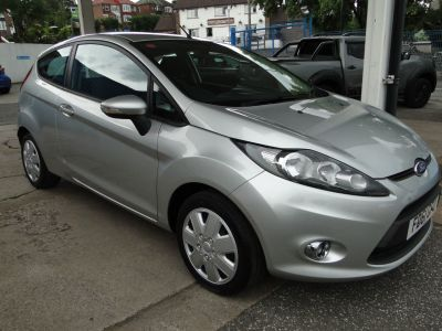 Ford Fiesta 1.4 TDCi [70] Edge 3dr Hatchback Diesel SilverFord Fiesta 1.4 TDCi [70] Edge 3dr Hatchback Diesel Silver at Foxhill Used Cars Sheffield